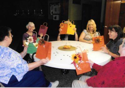 621233_6decoratinggiftbags
