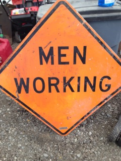 689536_MenWorkingsign