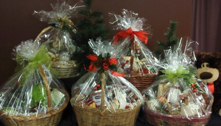 christmasbaskets2010_0011364340194_2_image